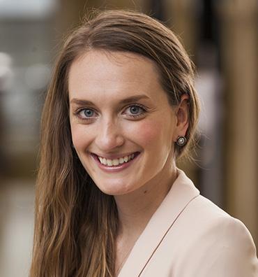 Portrait of Lindsey Wreggelsworth Commercial Web Services Marketing Manager